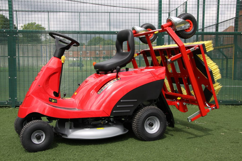 Mini Honda Tractor 4g 5g Artificial Football Pitch Sweeper
